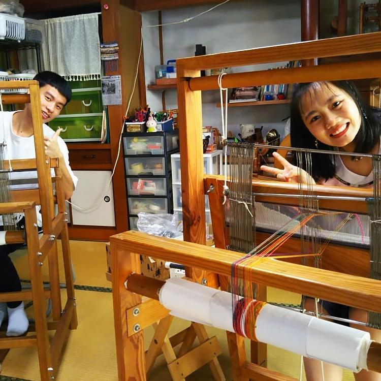 ベトナムからの留学生・手織り工房わくわく本舗にて