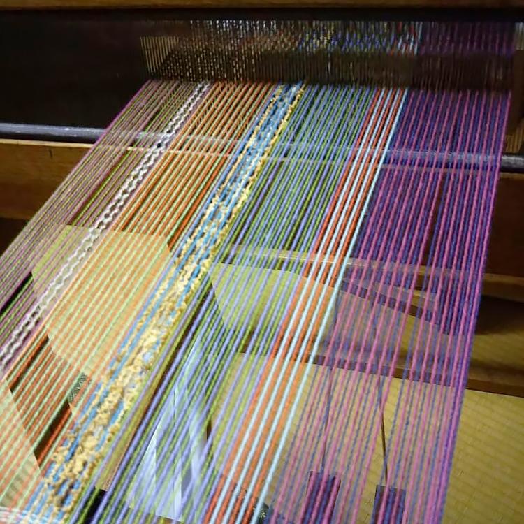 機織り機・変化をつけた経糸