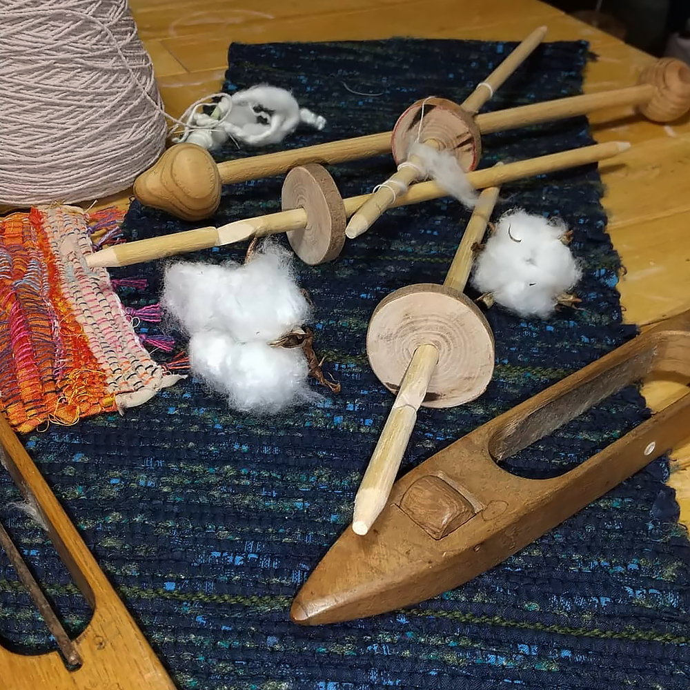 織物と機織りの道具